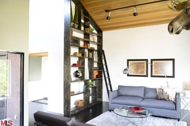 3460 Coldwater Canyon Ave., Studio City, CA 91604