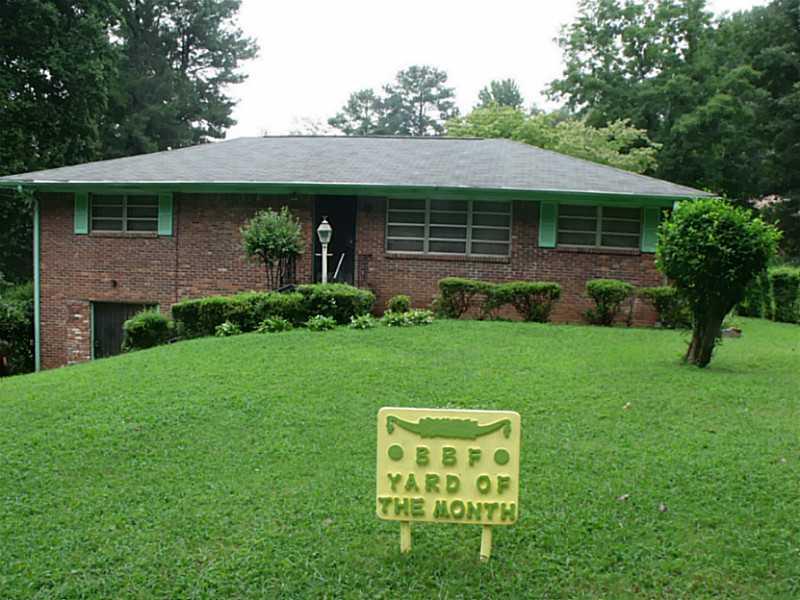 2201 Bollingbrook Dr., Atlanta, GA 30311
