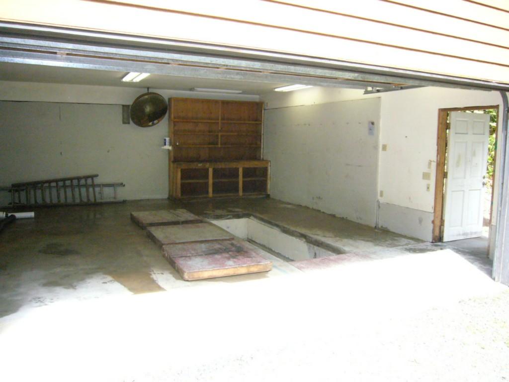 20012 Little Bear Creek Rd., Woodinville, WA 98072