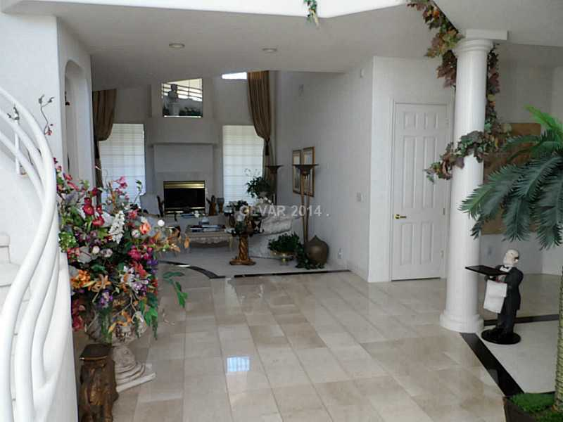 8625 Scarsdale Dr., Las Vegas, NV 89117