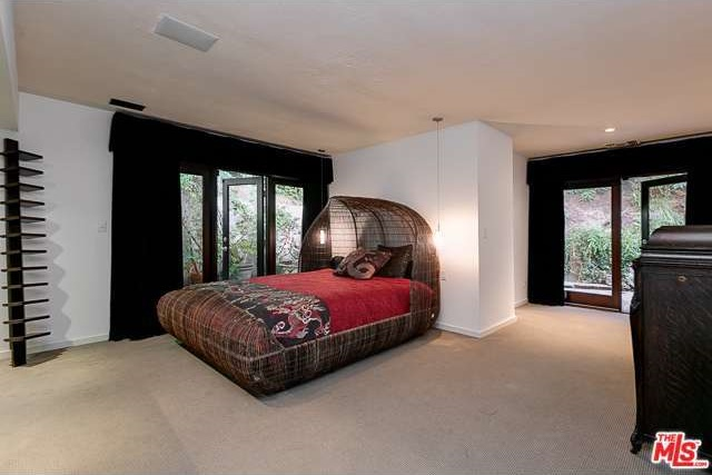 8716 Sunset Plaza Terrace, Los Angeles, CA 90069