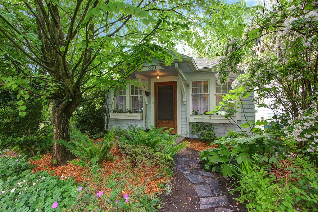5523 26th Avenue NE, Seattle, WA 98105