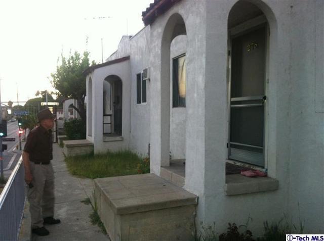 272 S. Burlington, Los Angeles, CA 90057