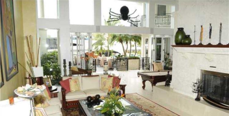 2501 Del Lago Dr., Fort Lauderdale, FL 33316