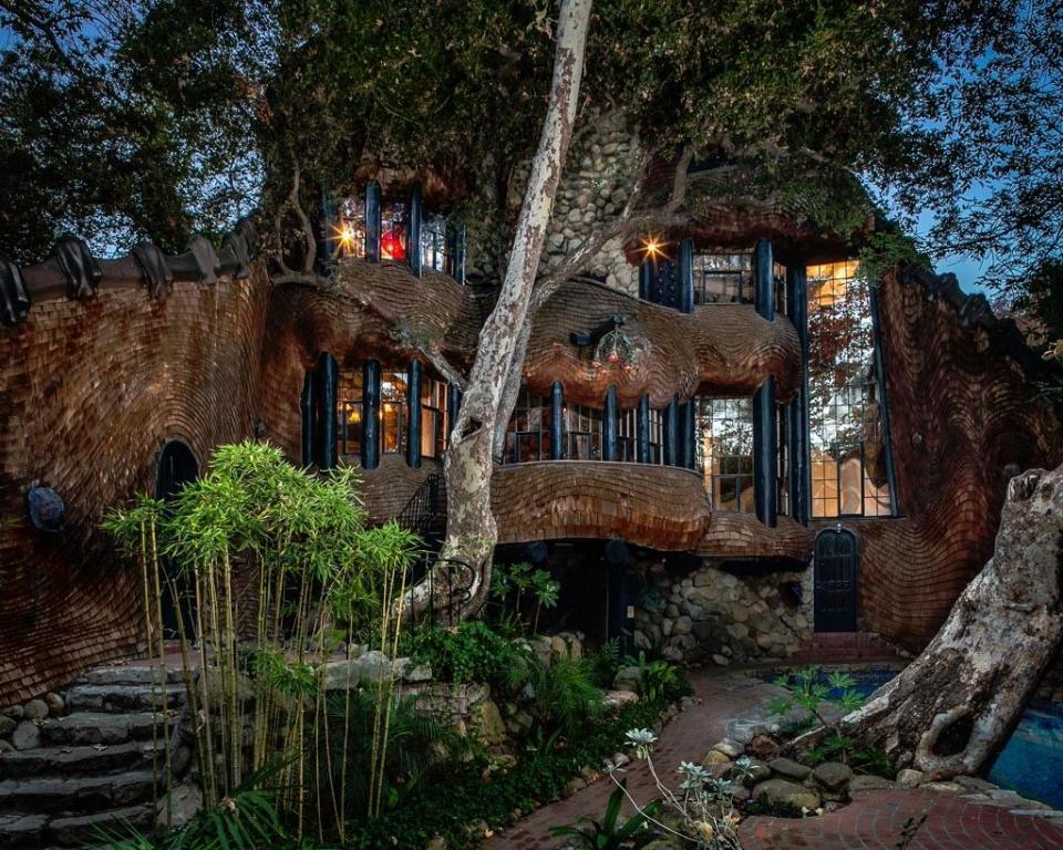 999 Andante Rd., Santa Barbara, CA 93105
