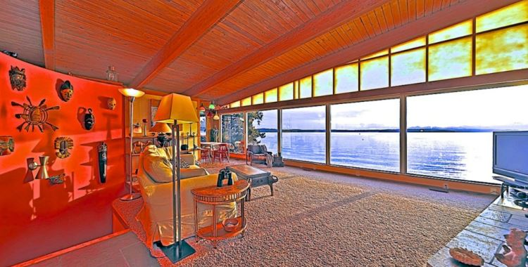 7111 Beach Dr SW, Seattle, WA 98136