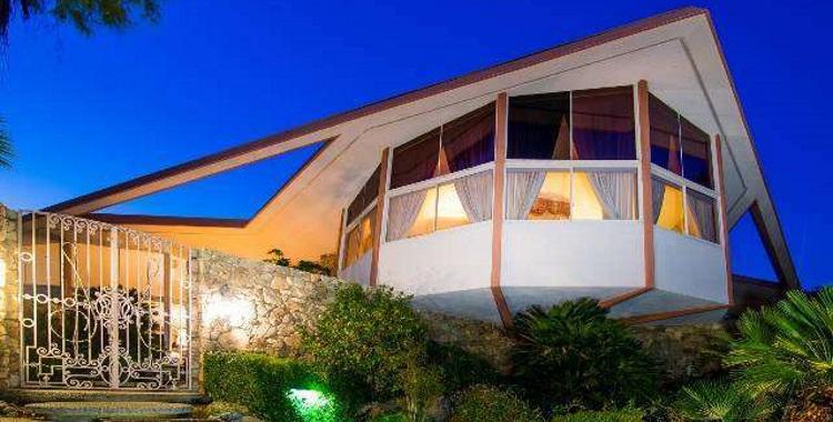 1350 Ladera Cir., Palm Springs, CA 92262