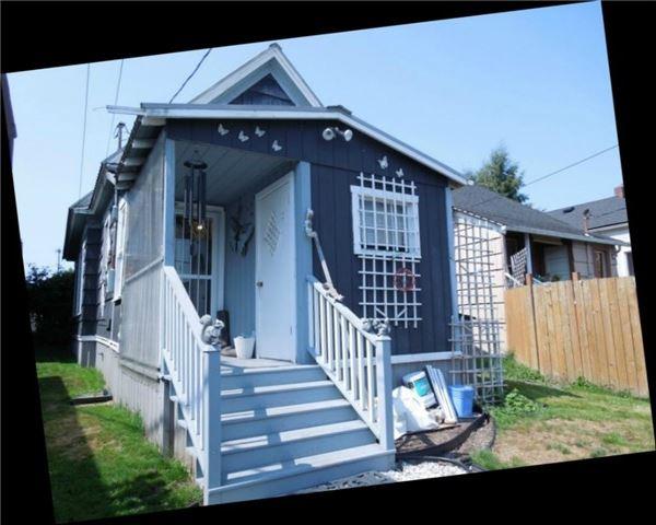 2327 Rockefeller Ave., Everett, WA 98201