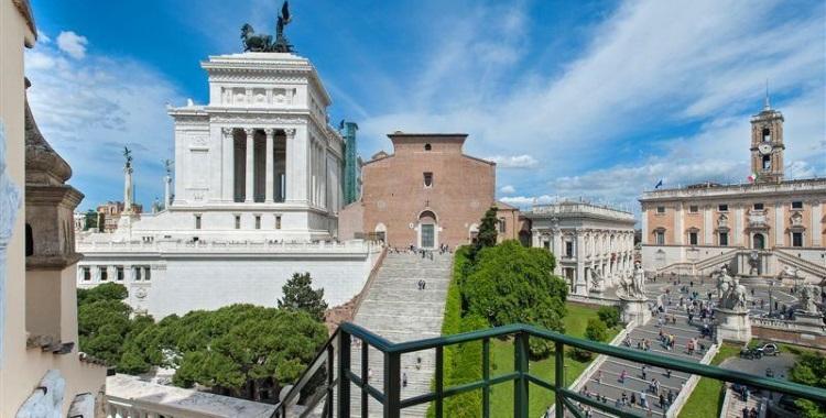 Piazza D'Aracoeli, Rome, Italy